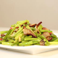 蒜苔炒腊肉的做法[图]